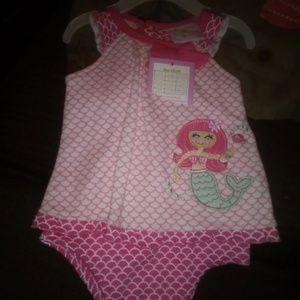 2 baby girl onesies